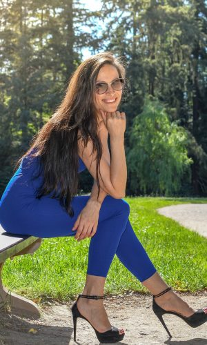 Purely Tanya Pruhonice Park Blue outfit 11c